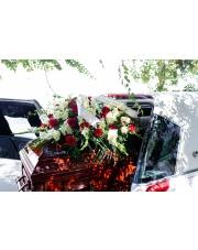 Mieczyki, hortensje czy róże? Jakie kwiaty wybrać na pogrzeb?